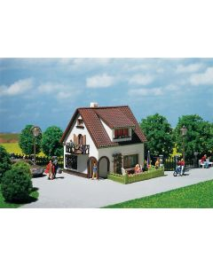 Faller Huis met dakkapel 130200