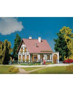 Faller Vakwerkhuis met garage 130215