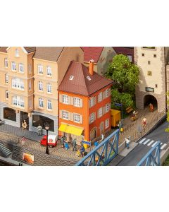 Faller H0 Hoekhuis met postkantoor 130617