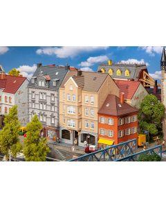 Faller Stadshuis met schoenenwinkel 130706