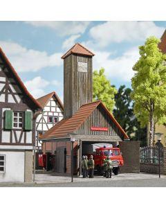 Busch H0 klein houten brandweergebouw 1453