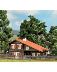 Busch H0 Zwitsers baanwachtershuis Trin 1645