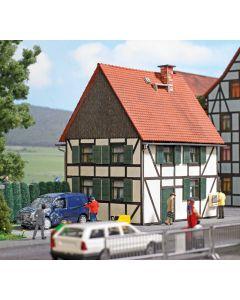 Busch H0 Vakwerkhuis 1666
