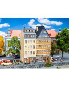 Faller H0 Actieset Stadshuizen aan de oever van de Donau 190163