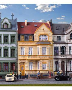 Kibri H0 Herenhuis met erker in Bonn   39101