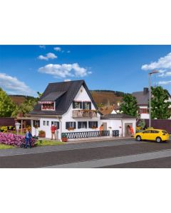 Vollmer H0 woonhuis met garage 43718