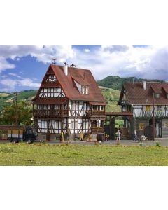 Vollmer H0 Klein huis met poort 43732