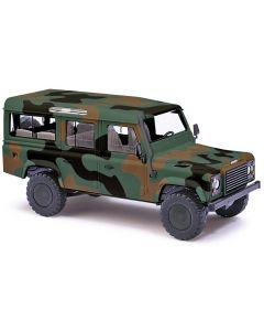 Busch Land rover Defender in camouflage kleuren 50304